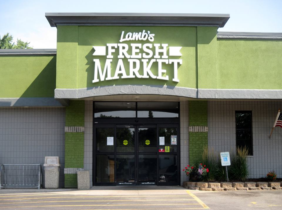 Lamb\'s Fresh Market Building Signage by D&L Signs