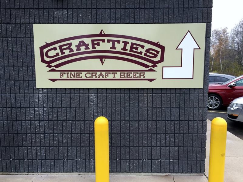 Crafties Fine Craft Beer Building Signage